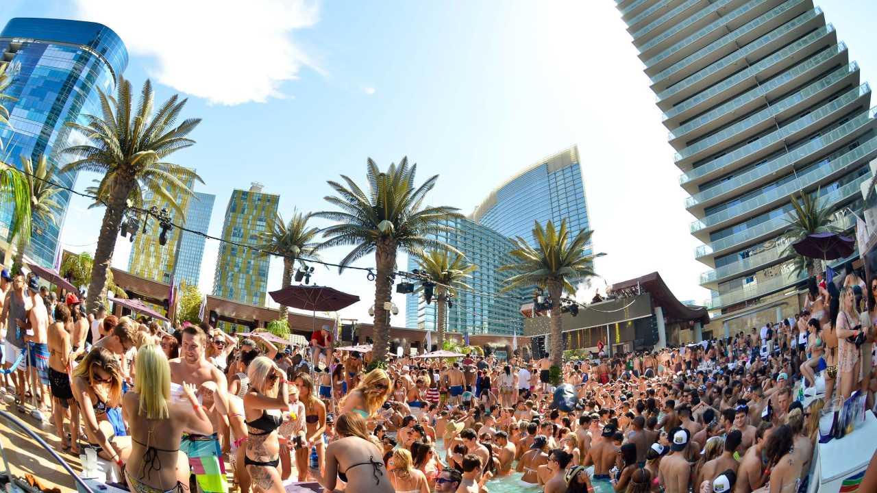 Las Vegas Luxury Hotel Pool District The Cosmopolitan