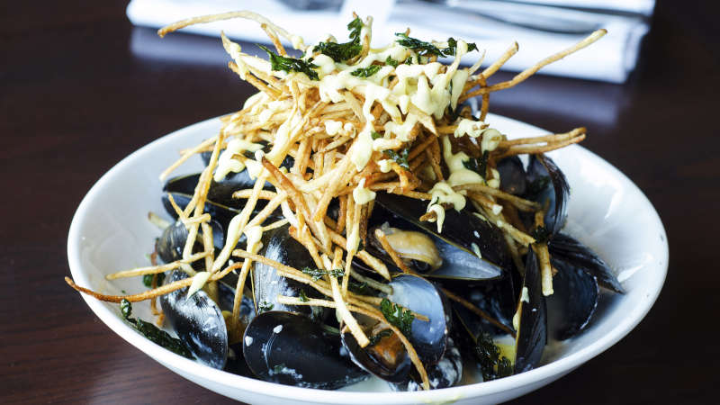 PinevilleTavern MoulesFrites 2880x2304