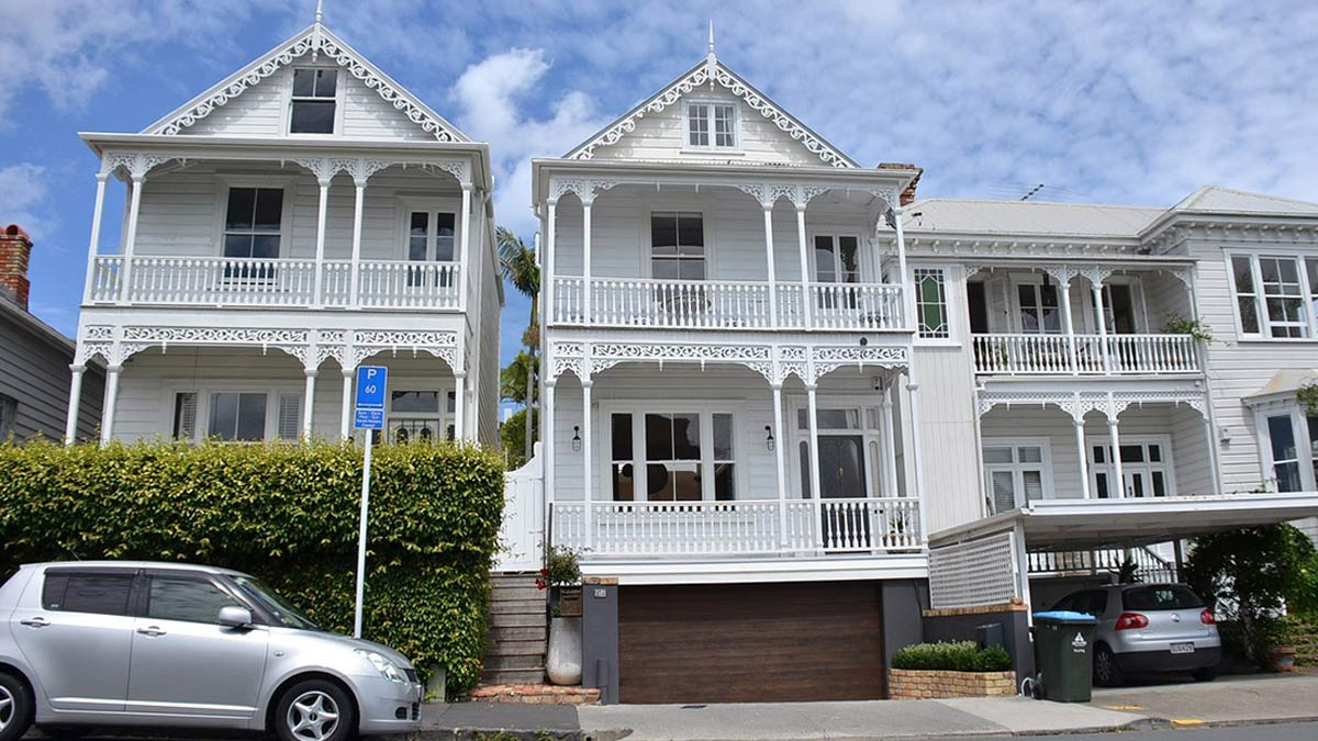 Street view of houses in Auckland central