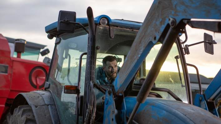 Pete at Butlers Farm - Emmerdale - ITV