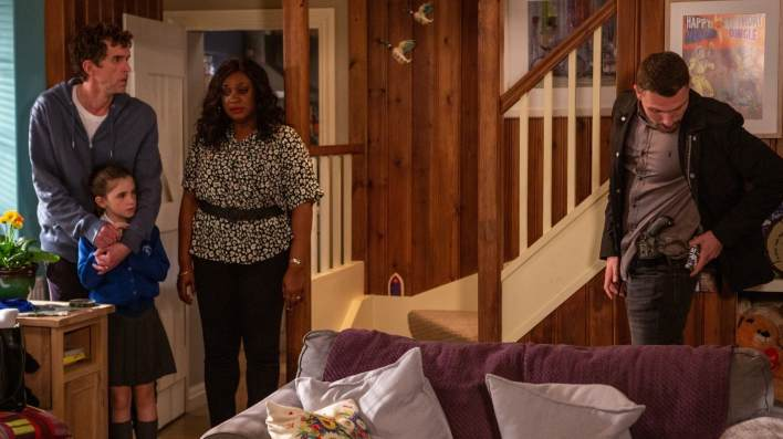 Max holds Marlon, April and Jessie at gunpoint - Emmerdale