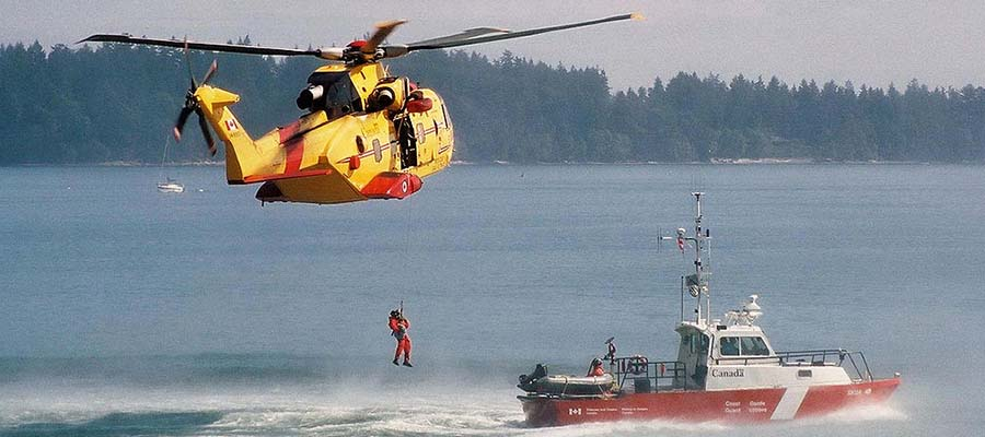 canada search and rescue helicopter boat