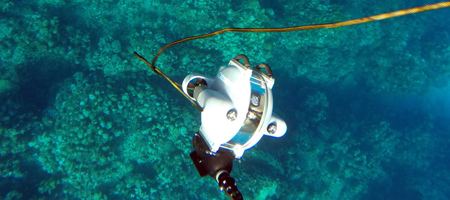 diving underwater drone