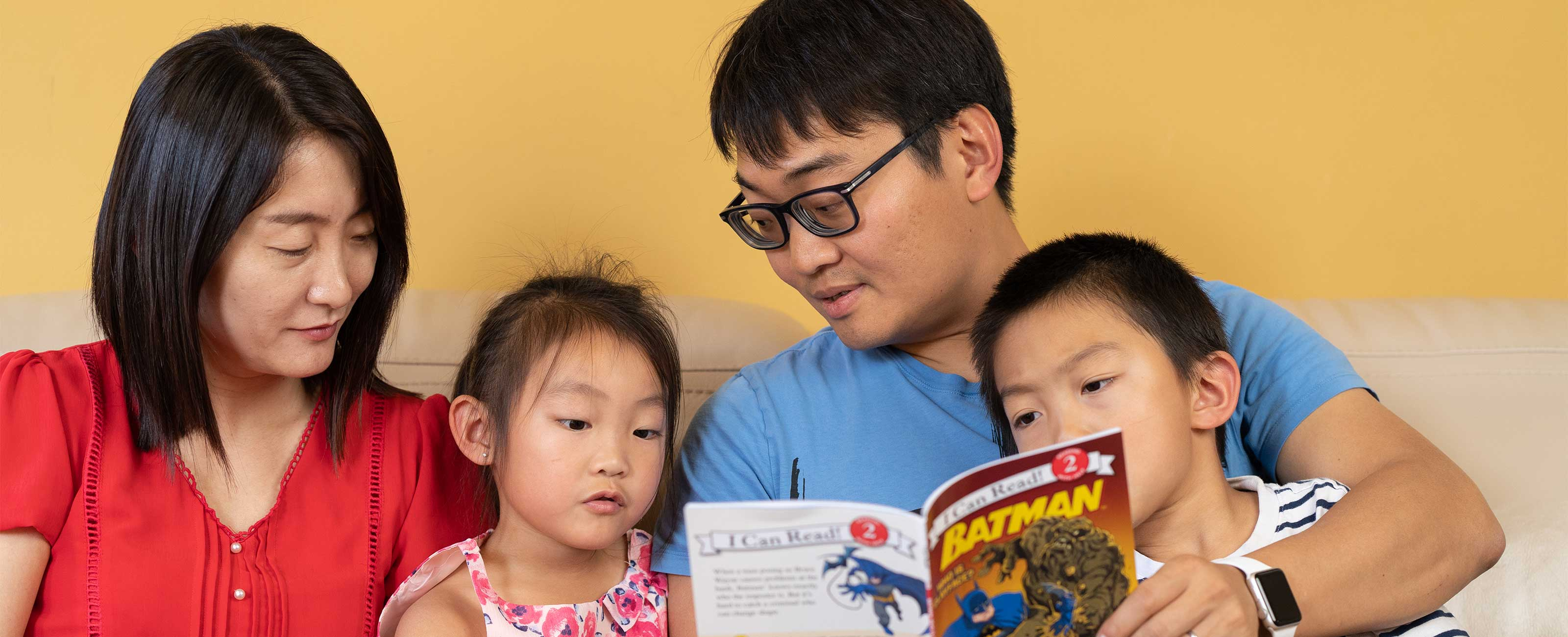 2x-embed-story-yuan-shi-and-family-reading-a-book-Photo-12