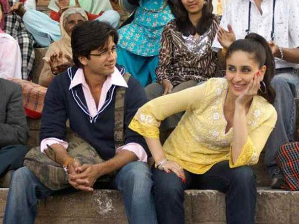 "Shahid Kapoor and Kareena Kapoor in the 2007 film ""Jab We Met."" Kareena is dressed in a kurti and jeans. (UTV Motion Pictures)"