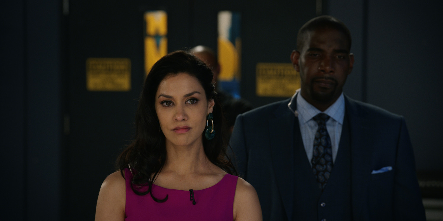 "Janina Gavankar and Desean K. Terry in ""The Morning Show"" (Apple)"