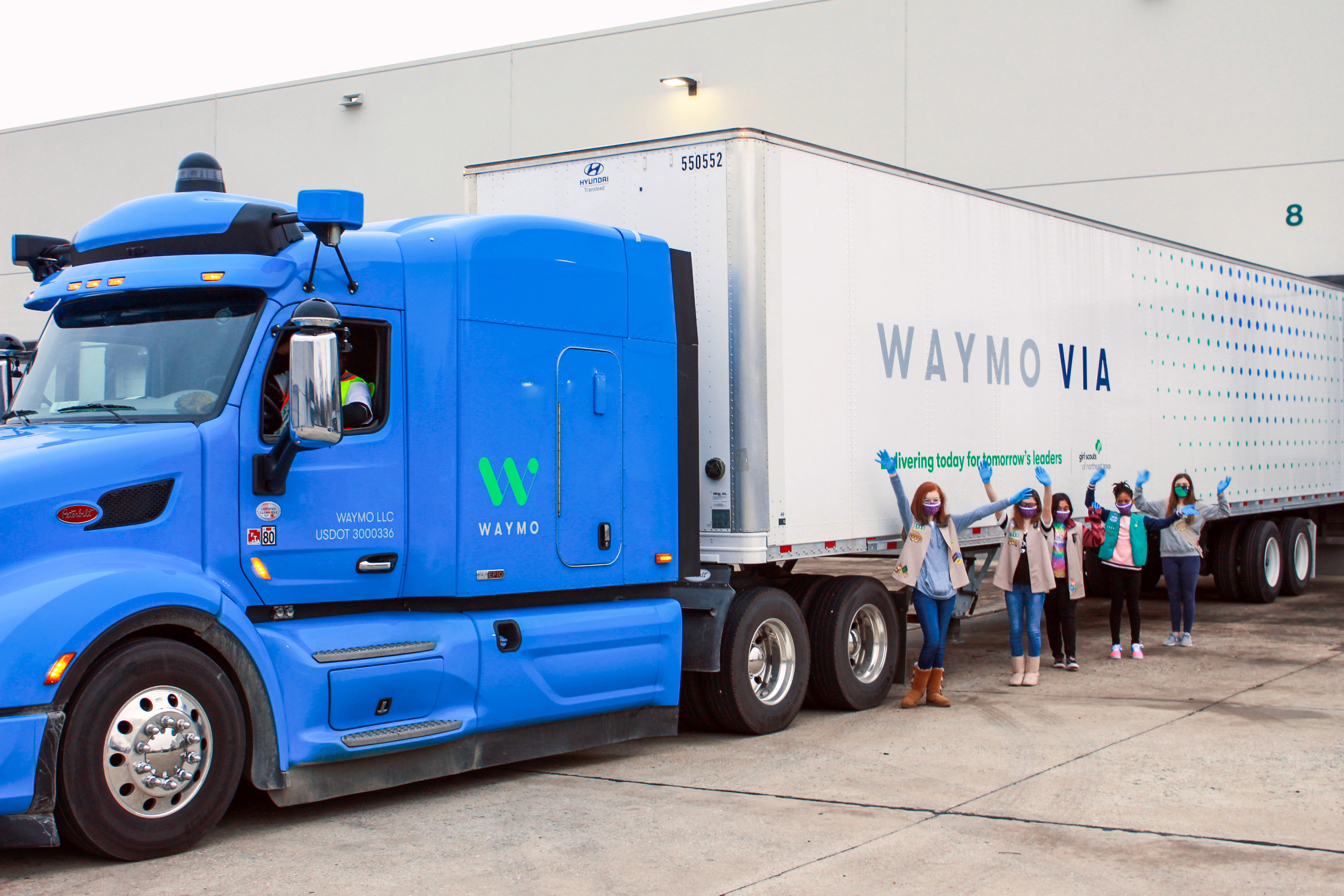 Girl Scouts of Northeast Texas, Waymo team up to transport cookies