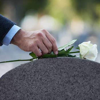 10 Steps To Planning A Funeral + Step-By-Step Checklist   GoodTrust