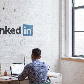 How To Deactivate A LinkedIn Account When Someone Dies (With or Without Password)