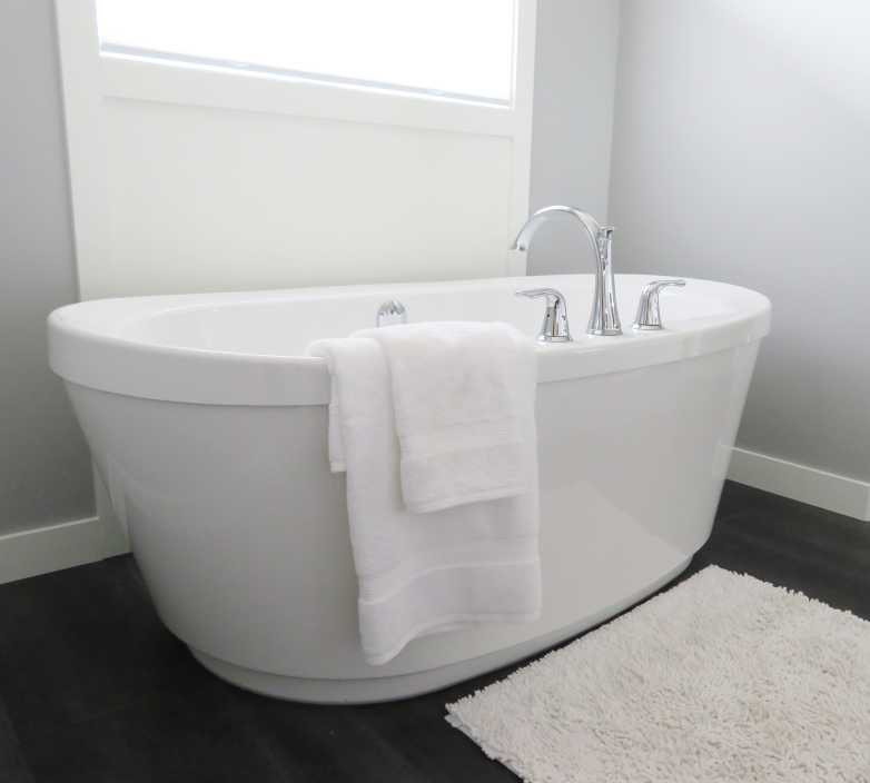 bathroom-bathtub-ceramic-534179