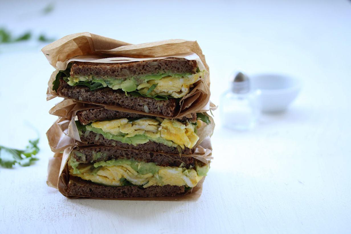 avocado and egg sandwich
