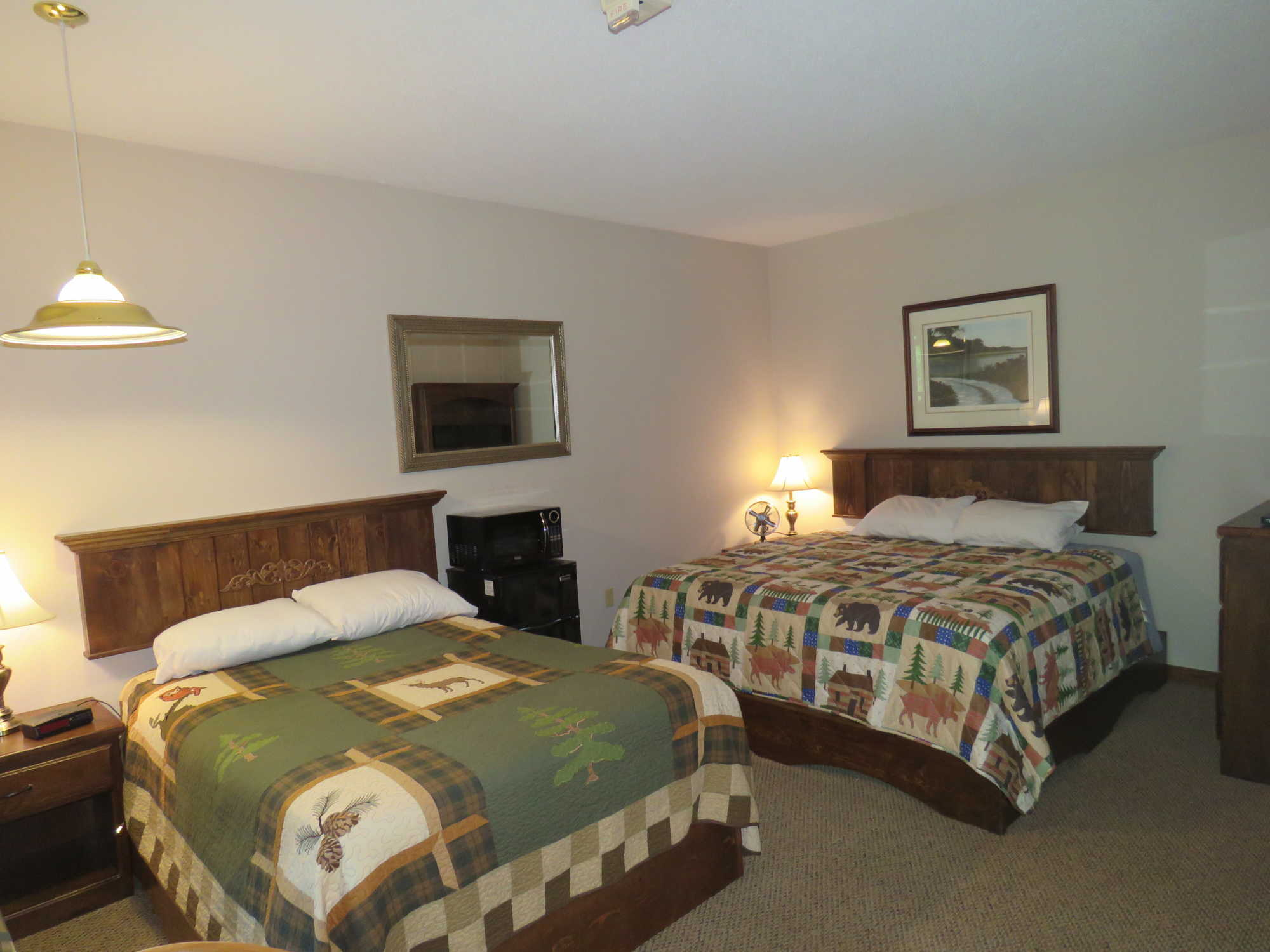 1 King & 1 Full Wheelchair Friendly Room- Clean &  Comfortable