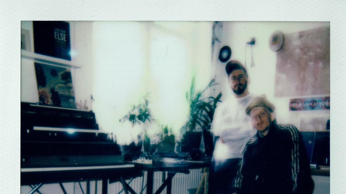 Àbáse & Ziggy Zeitgeist