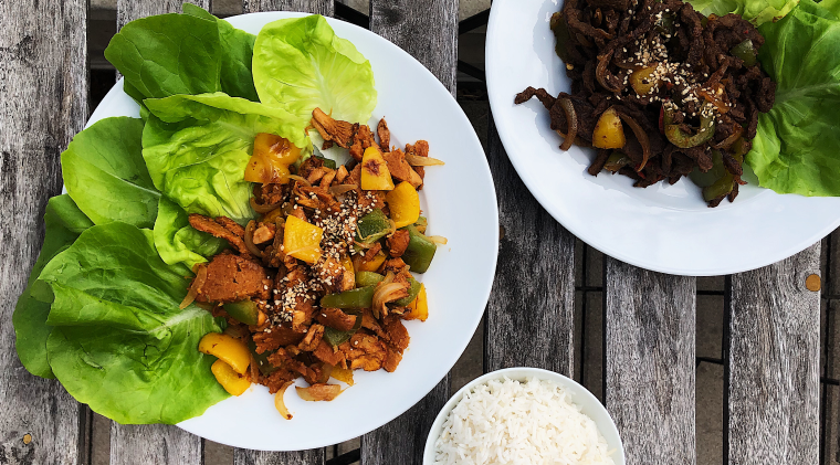 Lettuce cups inspired by Korean Bulgogi with bell peppers and onions