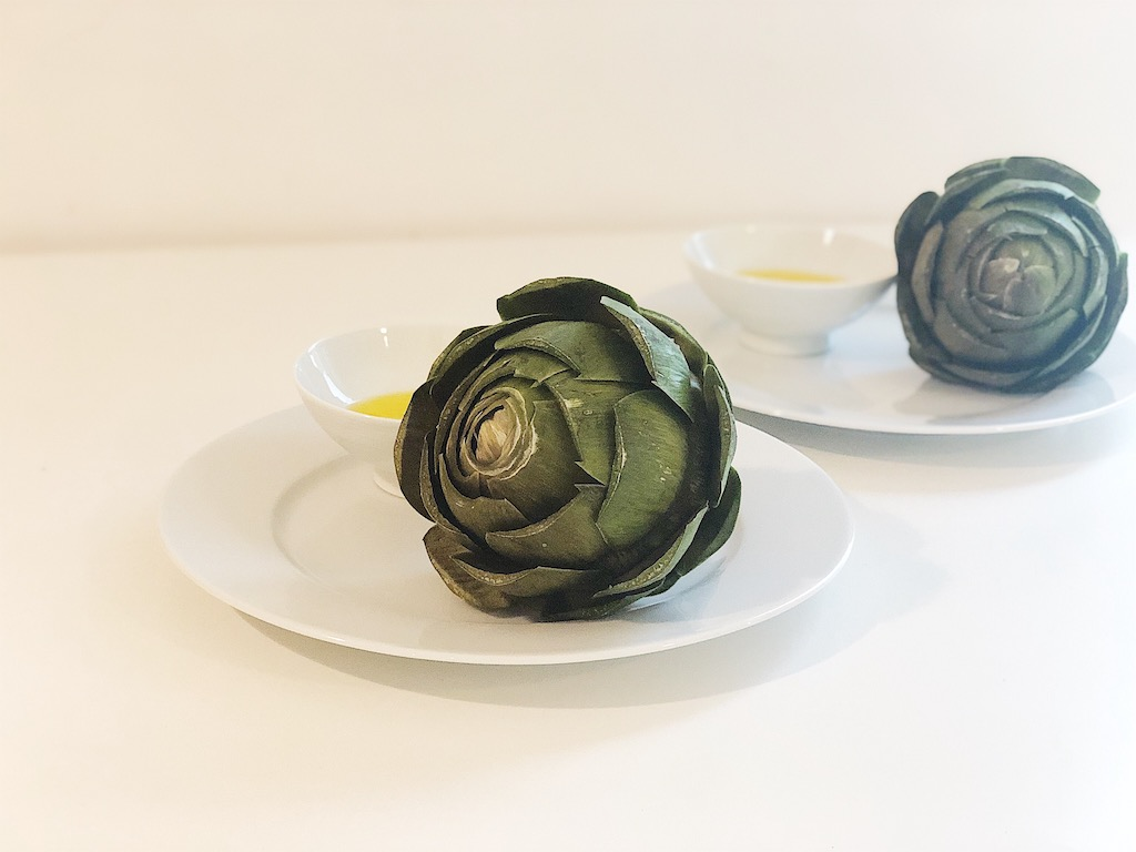 Artichokes with fresh garlic butter