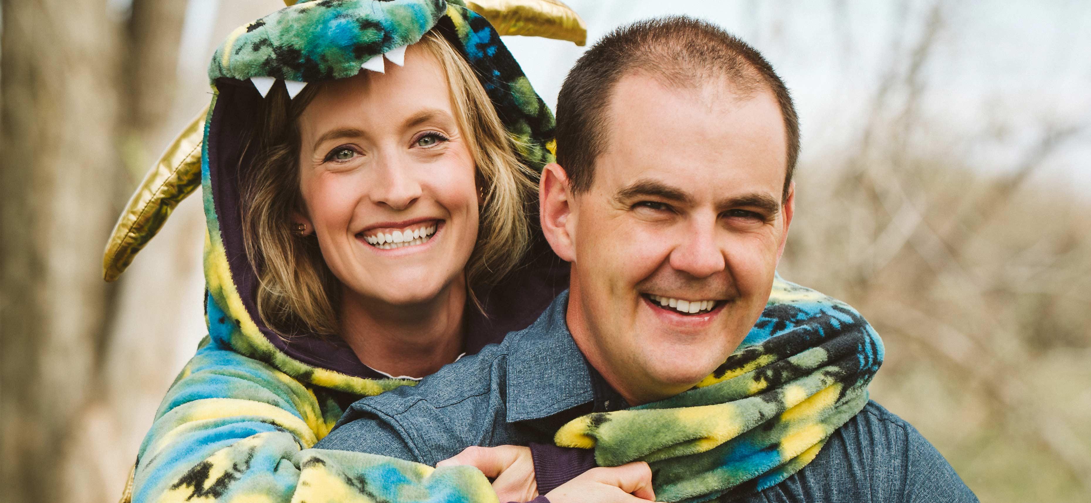 Nick Paquin, travailleur social du district scolaire public de Medicine Hat, et sa femme Ashley