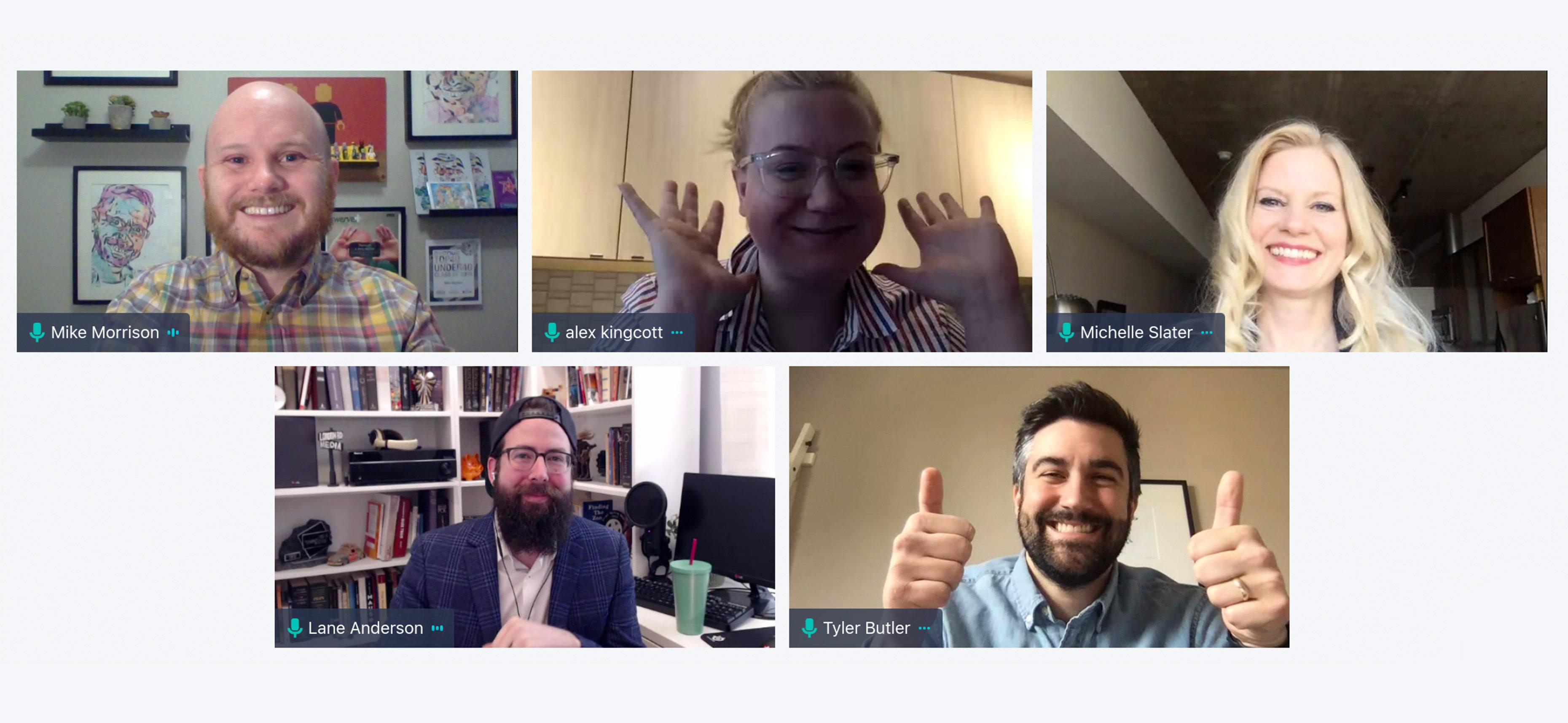Collage de photos montrant des participants souriants à la conférence sur le marketing numérique en ligne SocialAtHome