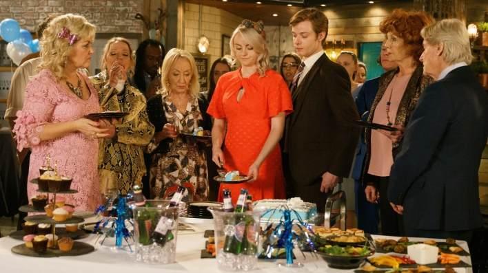 Beth, Sinead, Daniel, Claudia and Ken - Coronation Street - ITV