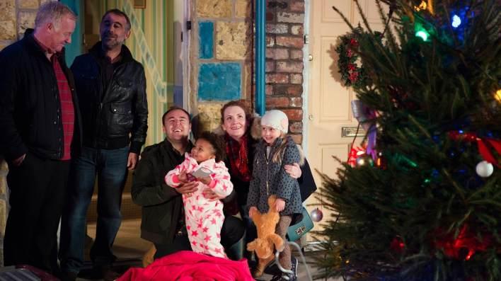 Michael, Kevin, Tyrone, Fiz, Ruby and Hope - Coronation Street - ITV