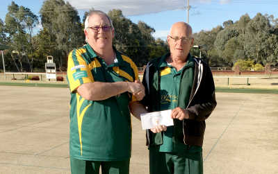 Winners from Friday's tournament, Mike Barber and Kevin Medcalf from Cootamundra.