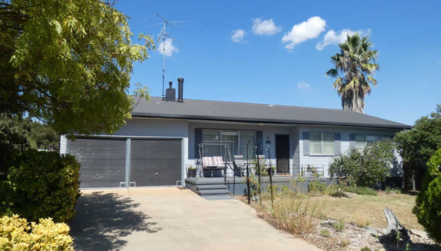 40 Queen St Boorowa NSW 2586
