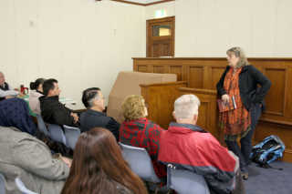 Vivien Thomson speaking at the meeting. Photo by Dianne Murphy.