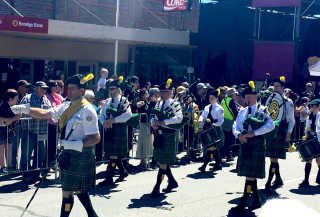 Canberra Celtic Pipe Band at last year's Woolfest.