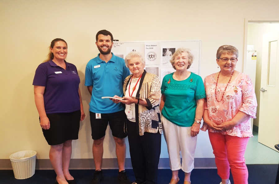 Lymphoedema treatment cheque: Mercy Care Senior OT Jess Jamieson, PT Stuart McKenzie, Hospital Auxiliary Treasurer Dorothy Shepherd holding the cheque, President Janice Ward and Secretary Lyn Freudenstein.