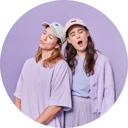 Julia und Fanny vom Podcast Mama Lauda