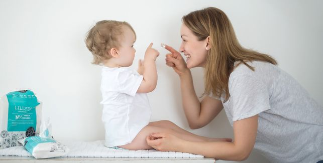 Gesichtspflege für das Baby - Gutes für Nase, Mund, Ohren und Augen