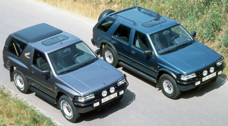 opel-frontera-sport-grey-frontera-wagon-blue-front-side-above-1993-775.jpg