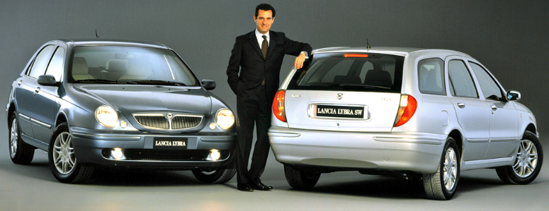 lancia-lybra-blue-front-side-lybra-sw-grey-rear-side-1998-775.jpg