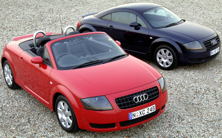 audi-tt-roadster-red-coupe-blue-front-side-2003-775.jpg