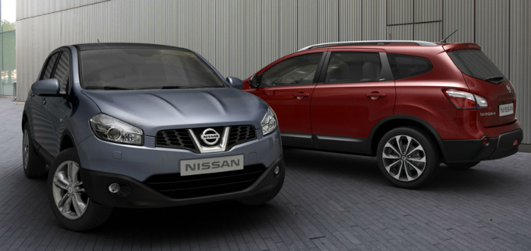 nissan-qashqai-red-grey-front-side-2011-775.jpg