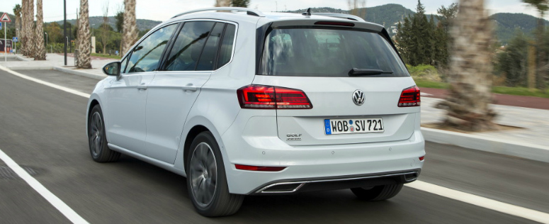 volkswagen-golf-sportsvan-white-rear-side-2017-775.jpg