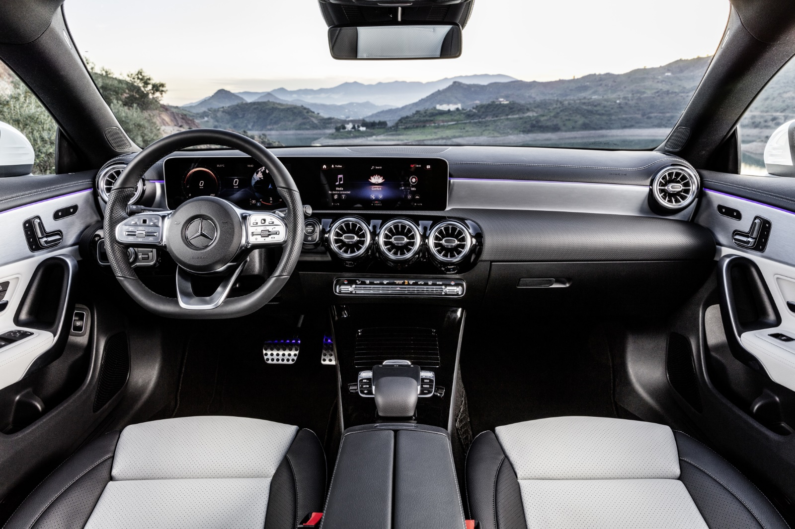 Mercedes-Benz CLA-klasse Stationwagen Interieur