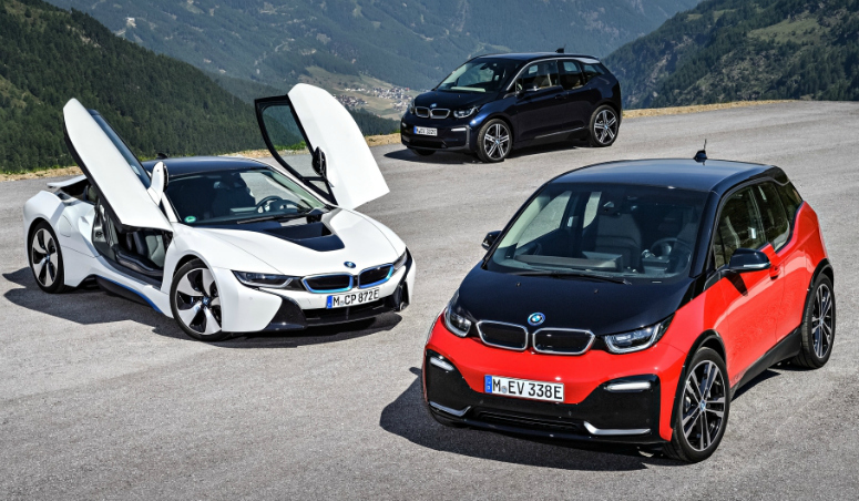 bmw-i8-white-3-blue-i3-s-red-front-side-2018-775.jpg
