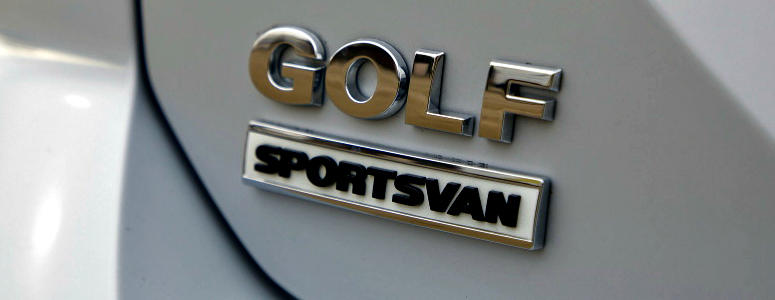 volkswagen-golf-sportsvan-badge-white-rear-side-2017-775.jpg