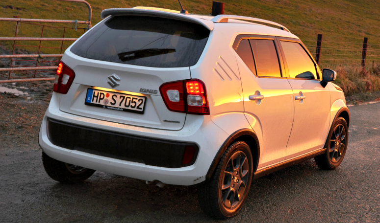 suzuki-ignis-allgrip-white-rear-side-2016-775