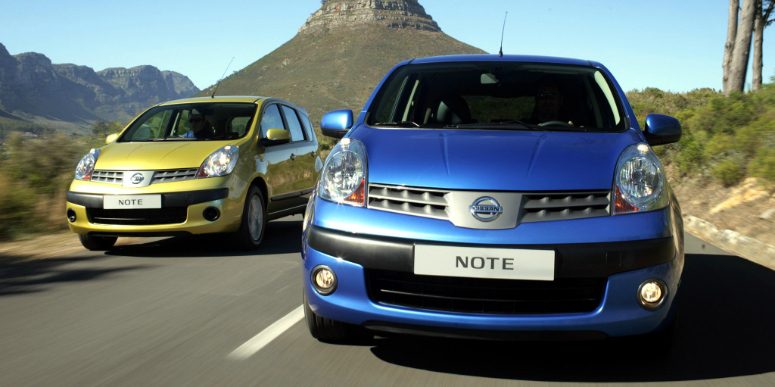 nissan-note-yellow-blue-front-side-2005-775.jpg