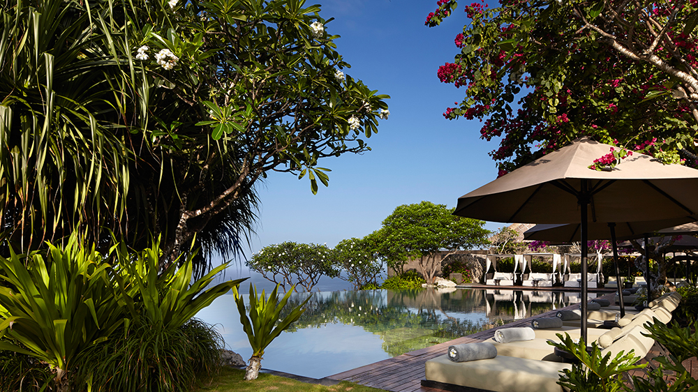 bulgari-bali-the-cliff-side-pool