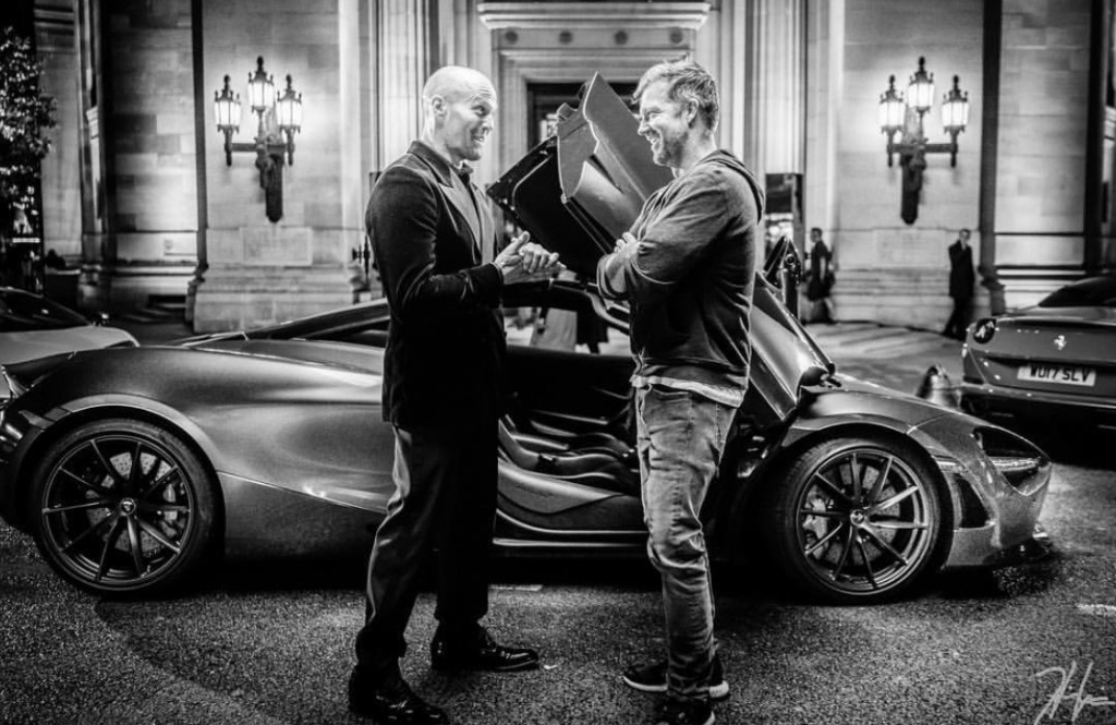 Jason-Statham-wearing-his-Cleverley-shoesm-talks-to-director-David-Leitch-on-the-set-of-forthcoming-action-movie-Hobbs-Shaw