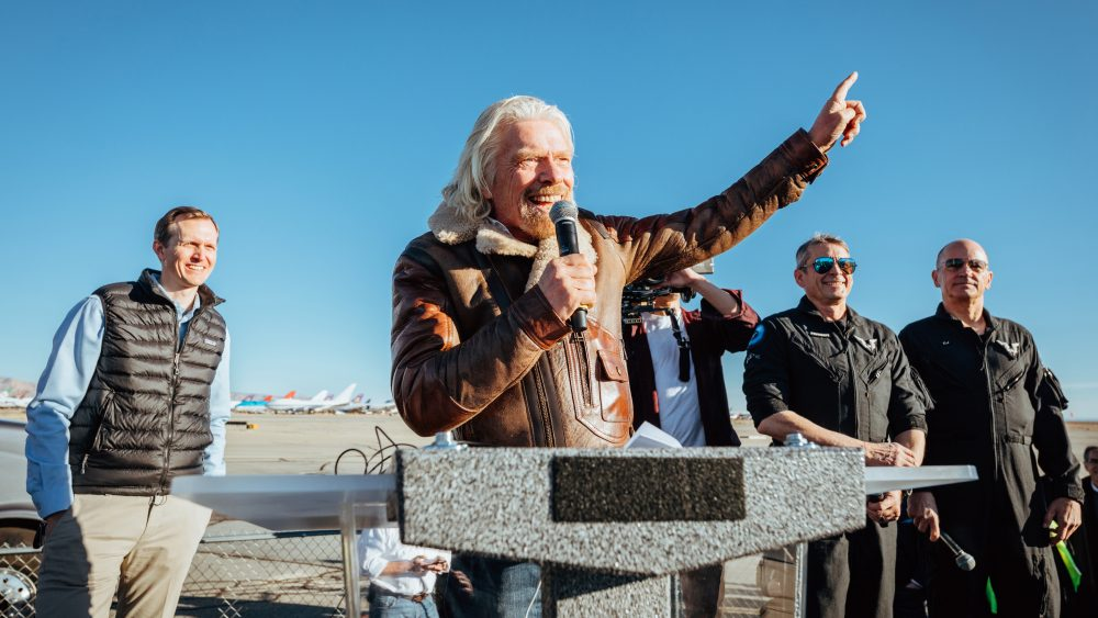 richard branson celebrates first spaceflight1-copy-copy-e1556634561990