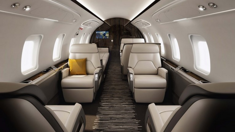bombardier challenger650 aisle-props-hybrid
