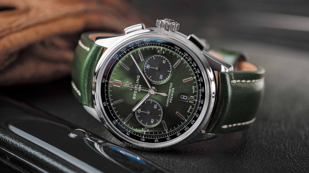 01 premier-b01-chronograph-42-bentley-british-racing-green-with-a-british-racing-green-leather-strap