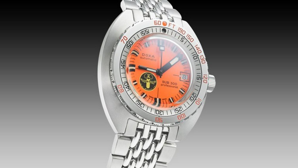 doxa sub300 blacklung product angle03 64373 white