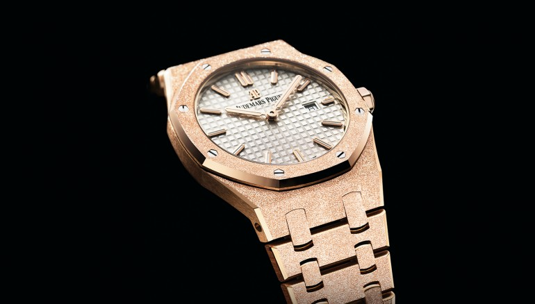 ap-royal-oak-frosted-gold-watch.jpg INTEXT 3