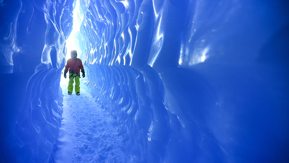 ice-tunnels-1-credit-white-desert