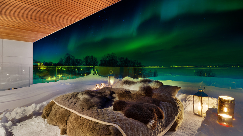 off-the-map-travel-aurora-from-outside-bed-credit-ole-mortensen