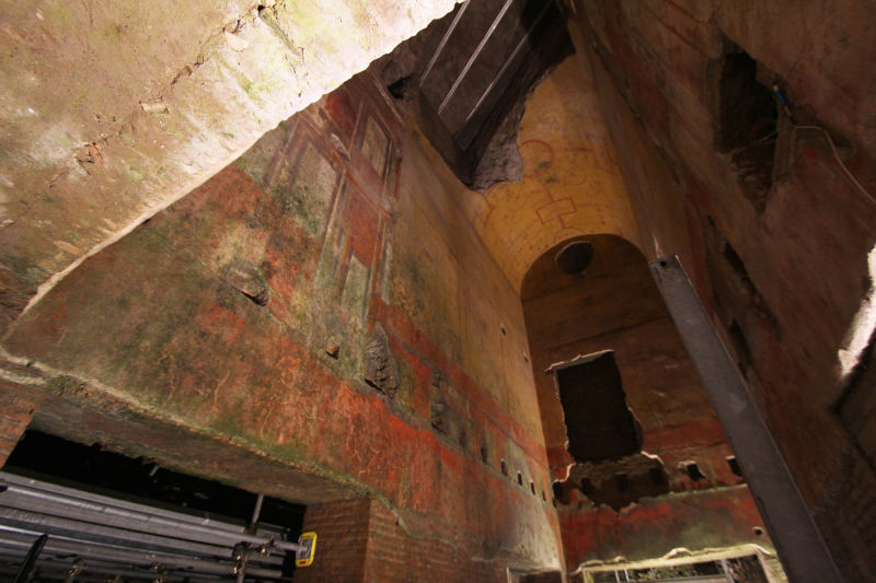 The arch work in the Domus Aurea is stunning
